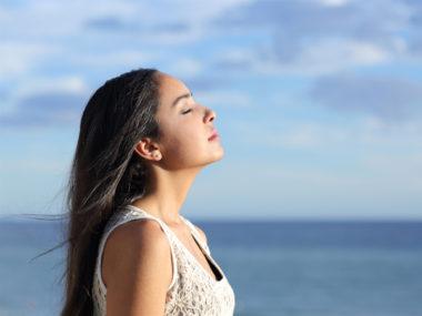 3 động tác yoga giúp mờ nếp nhăn, săn chắc da và ngăn ngừa lão hoá.